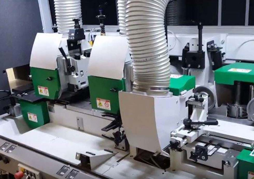 Timber cladding milling machine